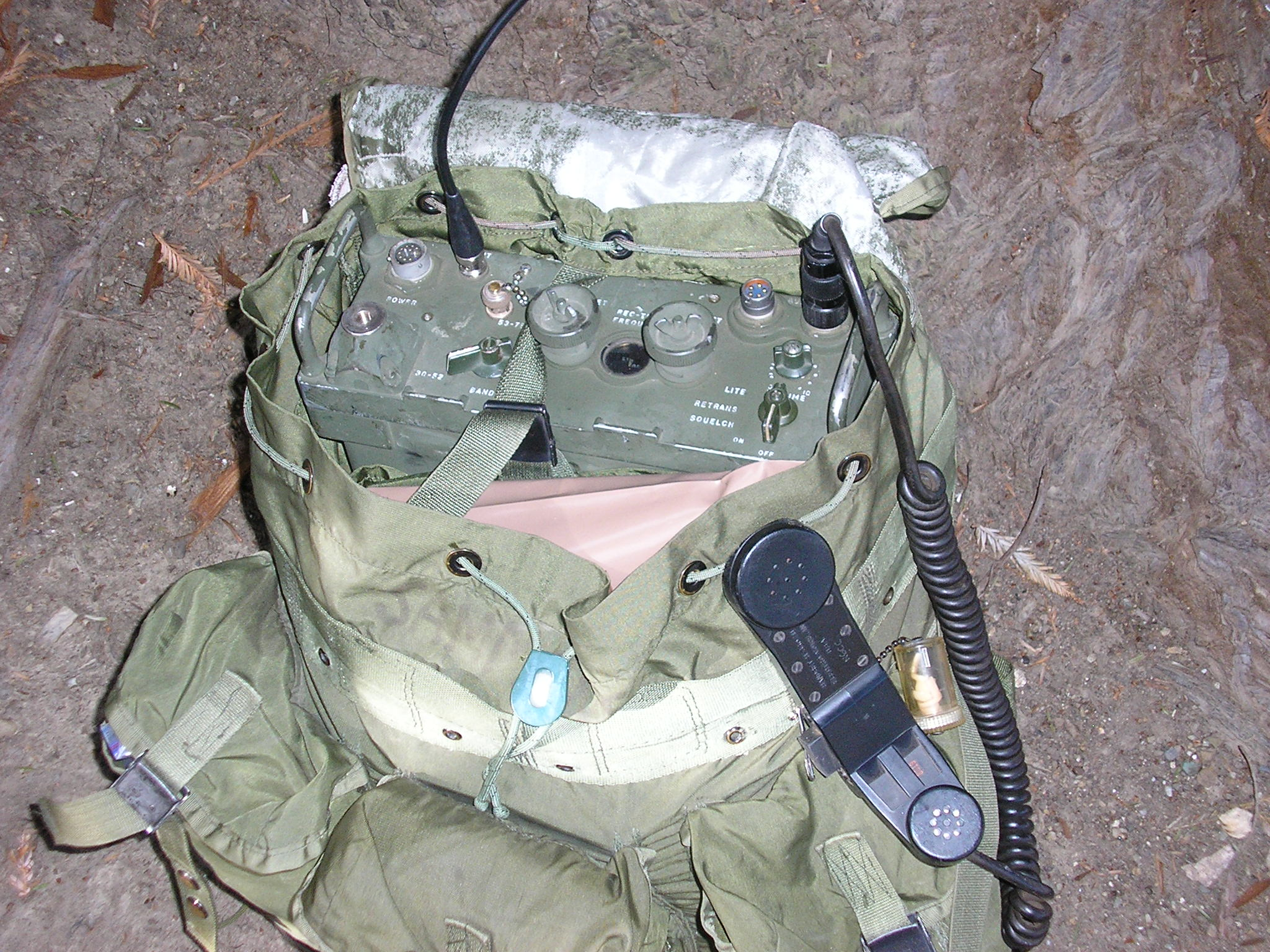 PRC-25 carried in an ALICE pack