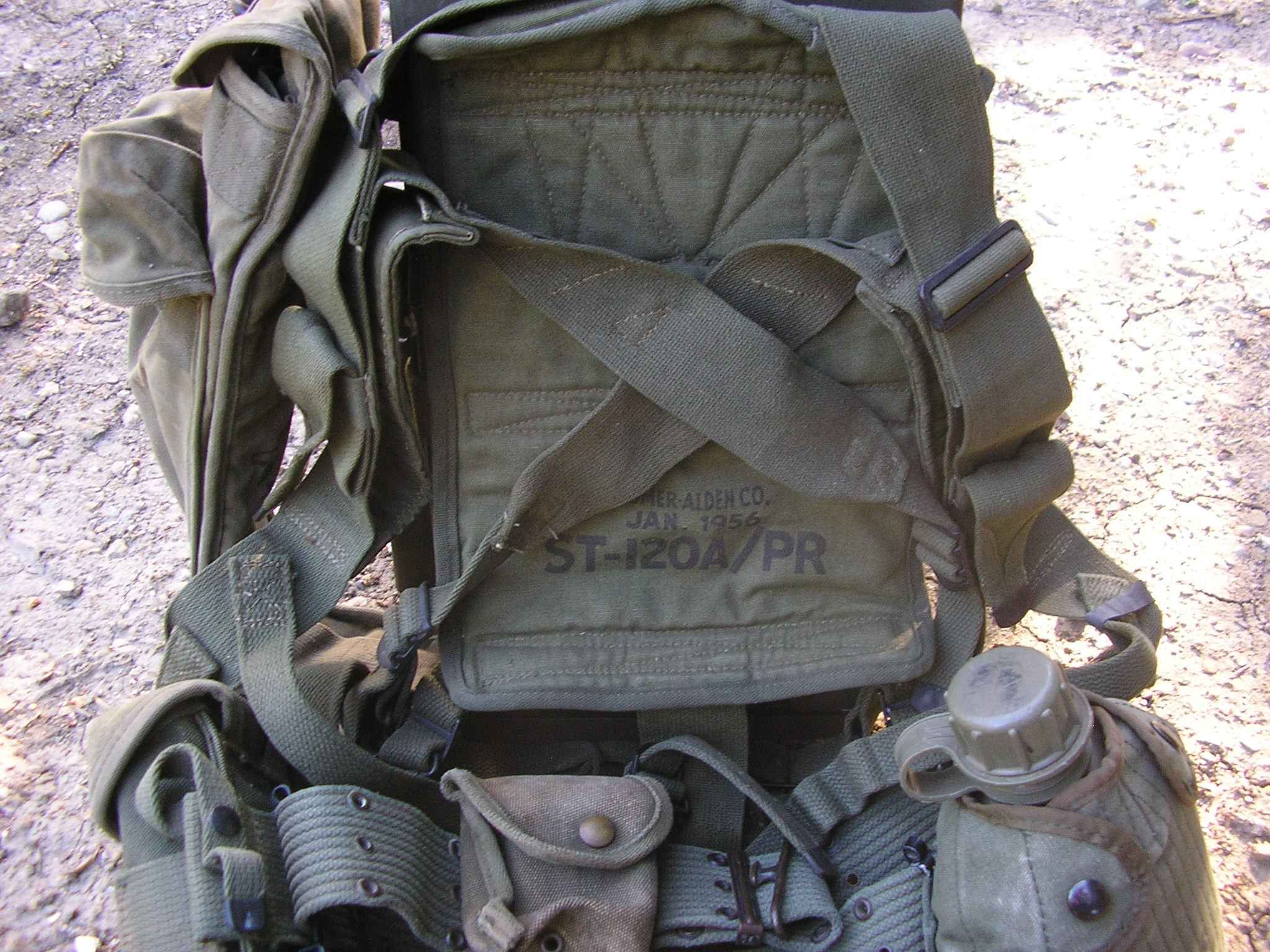 PRC-10 Radio in ST-120A/PR Carrying Harness