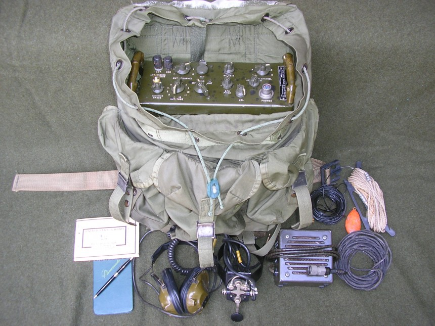 AN/TRC-77 in ALICE Medium pack