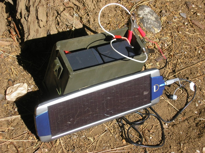 TRC-77 Solar Charged Battery