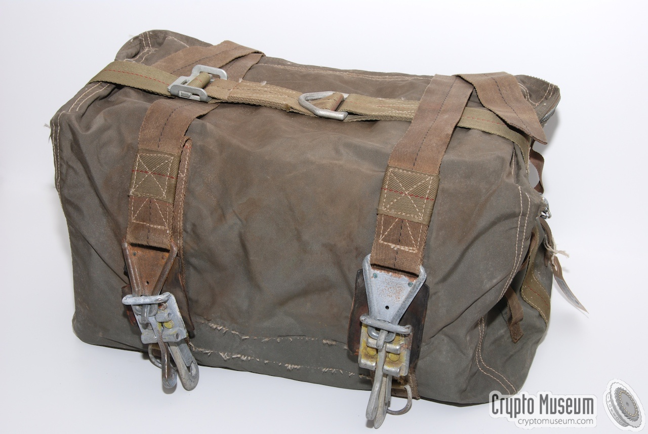 RS-6 Aircraft Stowage Bag